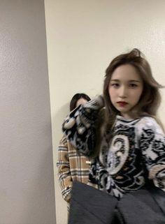 Nayeon, South Korean Girls, Korean Girl Groups, Pelo Emo, My Girl, Cool Girl, Hyuna, Sana Momo, Mode Kpop