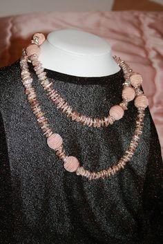 Perles japonaises et soie.