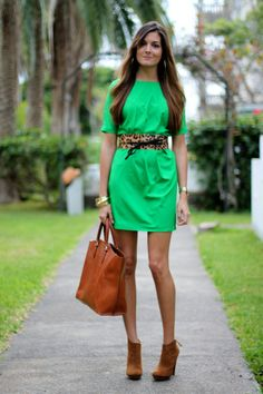Spring green outfit, wrong green but mega cute
