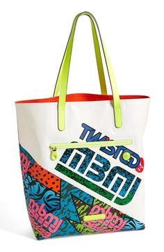 Free shipping and returns on MARC BY MARC JACOBS 'Luna Tarp Fergus' Tote at Nordstrom.com. Vibrant colors and a bold graffiti-inspired design distinguish an easy-care faux-leather tote that adds an instant style upgrade to your look.