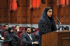 Sie verteidigte sich gegen einen Mann, der sie vergewaltigen wollte und wurde dafür wegen Mordes verurteilt: Die 26 Jahre alte Iranerin Reyhaneh Jabbari ist trotz internationalen Protests hingerichtet worden.
