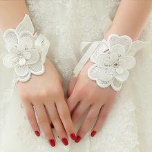 Venta al por mayor accesorios de boda 2016 nueva flor de la llegada romántica cortos guantes de novia con cuentas de encaje hasta(China (Mainland))