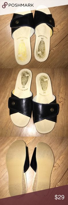 Womens Worishofer Leather lighweight  slip ons Size 36 made in Germany. Original footprint WORISHOFFER comfort slip on shoes. Leather Velcro top. Premium shoes for comfort and great for your feet! Brand new. Only tired on in home original footprint WORISHOFFER Shoes Mules & Clogs