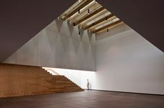 Image 17 of 32 from gallery of Almonte Theatre in Huelva / Donaire Arquitectos. Photograph by Fernando Alda Minimalist Architecture, Facade Architecture, Contemporary Architecture, Ceiling Design, Interior Lighting, Home Remodeling, Design Projects, Stairs, Interior Design