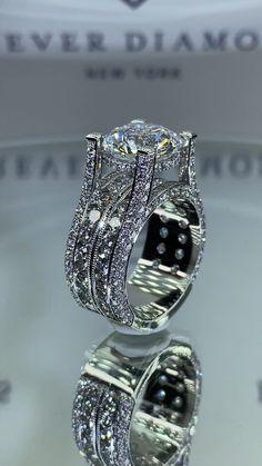 Handmade Engagement Rings, Engagement Ring Shapes, Dream Engagement Rings, Expensive Wedding Rings, Antique Wedding Rings, Diamond Wedding Bands, Diamond Rings, Cute Rings, Diamond Design