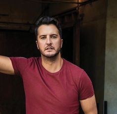 Luke Bryan Family, Luke Bryan Pictures, Shake It For Me, Country Singers, Country Boys, Celebs, Celebrities, Luther, Mens Tops