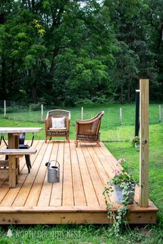 Summer styling inspiration for a large outdoor deck sealed wutg Cabot Australian Timber Oil in Amberwood.