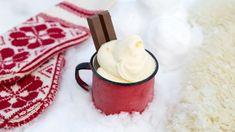 Softis I Snøen - Oppskrift fra TINE Kjøkken Christmas Kitchen, Pavlova, Moscow Mule Mugs, Sorbet, Popsicles, Winter Wonderland, Red And White, Bakery, Food And Drink
