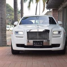 Gorgeous Ghost white Rolls Royce!