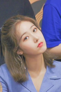 Kpop Girl Groups, Kpop Girls, Sinb Gfriend, Cool Girl, Hair Styles, Cute, Wallpaper, Kawaii, Wallpapers