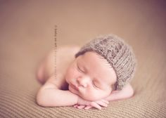 Newborn, low aperture, vintage color