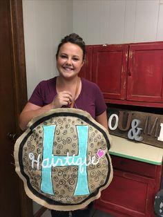 Burlap Door Hangers, Glitter Glue, Front Door Decor, Symbols, Wreaths, Art, Art Background, Door Wreaths, Kunst