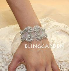 Vintage Style Wedding Bridal Jewelry Rhinestone Crystals Organza Ribbon Bracelet Bangle/Flower Bouquet Wrap