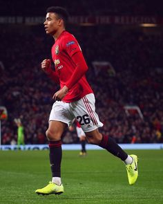 Likes, 532 Comments - Manchester United (Manchester United. Manchester United Wallpaper, Manchester United Team, Official Manchester United Website, Barcelona Soccer, Fc Barcelona, Cristiano Ronaldo Lionel Messi, Soccer Girl Problems, Football Boys, Soccer Quotes
