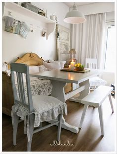 Country Living, Country Style, Shabby Chic, Galley Kitchens, Natural Living, Dining Chairs, Sweet Home, Cottage, Curtains
