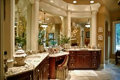 DIY home decor A wide range of ideas for that amazing elegant home decor luxury classy Home Decor idea number pinned on 20190213 Elegant Home Decor, Elegant Homes, Dream Bathrooms, Beautiful Bathrooms, Tuscan Bathroom Decor, Tuscan Furniture, Sweet Home, Tuscan Design, Tuscan Style
