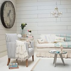 Country living room pictures and photos for your next decorating project. Find inspiration from of beautiful living room images Coastal Living, Home And Living, Living Room Pictures, Interior Exterior, Living Room Designs, Ideal Home, Shabby Chic, Relax, Lounge