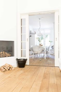 Gravity Home : White home in The Netherlands via VT Wonen. Gravity Home, Home And Living, Interior Design, House Interior, Home Living Room, Home, Interior, Home Deco, Home Decor