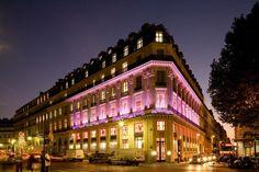 Global flagship UNIQLO Paris Opéra Store - Paris, France Showcase - Traxon Technologies