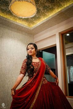 Marriage Reception Dress, Bride Reception Dresses, Wedding Reception Outfit, Bridal Party Dresses, Dress Wedding, Bridal Sarees South Indian, Indian Wedding Gowns, Indian Gowns Dresses, Indian Bridal Outfits