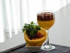 Ingredientes  300 g de ameixa preta sem caroço 1 xícara (chá) de água 1 lata de creme de leite sem soro 2 claras batidas em neve 1 lata de leite condensado 50 g de coco
