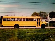 Old School Bus, School Buses, Vintage School, Busses, Totally Awesome, Trucks, American, Yellow, Food