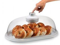#Gadget: NewMetro Design Vacuum Dome. Keeps bread fresh - no dried out crusty ends.