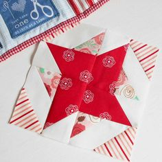 The Splendid Sampler Block no. 46 - Twirl Time.  Another simple patchwork block.