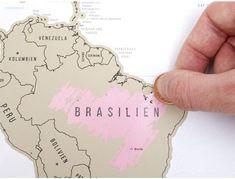 ✔ Das Poster ist mit Metallic Titan Folie beschichtet   Besuchte Länder können auf der Weltkarte zum Rubbeln einfach freigerubbelt werden. Perfekt als Wand-Dekoration oder Wandbild in jedem Zimmer.  inkl. eleganter und dekorativer Gehenkverpackung als kreatives Geschenk. Perfekt für Weltreisende, Globetrotter & Weltenbummler. Detailreichtum & Gestaltung der Original Scrape off World Map sind einzigartig! Trinidad, Idee Diy, Notebook, Bullet Journal, Poster, Globetrotter, Venezuela, Madness, Creative Gifts