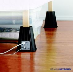 Dorm Room Hacks and Tips - Life your bed with these bed risers but also make the space efficient with a USB and plug for electricity. More College Tips on Frugal Coupon Living. Dorms Decor, Dorm Decorations, Bed Lifts, Dorm Organization, Organizing School, Clothing Organization, Organizing Tips, Dorm Life, College Life