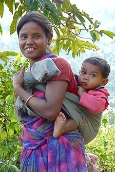 mom and baby Diwali mom and child Diwali Mutter und Kind Kids Around The World, We Are The World, People Around The World, Around The Worlds, Happy Baby, Mother And Father, Mother And Child, Baby Design, Baby Print