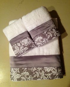 Gray Silver and White Bath Towels.  www.ladydiblankets.etsy.com - Love her stuff!