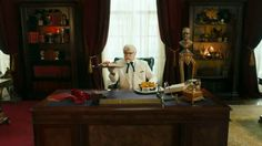 #KFC #Doublepersonality #RayLiotta TV #commercial 2017 • #GeorgiaGold or #NashvilleHot ? talk about KFC's Georgia Gold #HoneyMustard #BBQ chicken or its Nashville Hot #chicken, #ColonelSanders is at a loss.