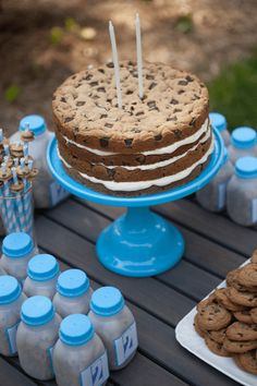 Exclusive Photo of Cookie Birthday Cake Cookie Birthday Cake Milk Cookies Birthday Party Lets Party Birthday Cookies Milk Cookies, Cookies Et Biscuits, Cake Cookies, Giant Cookies, Cupcakes, Cookie Cake Birthday, Birthday Chocolates, Chocolate Chip Cookie Cake, Chocolate Desserts