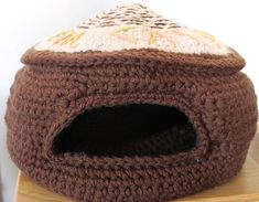 Ravelry: The Cat's Meow Cave pattern by Jinty Lyons