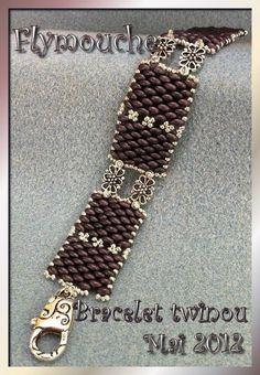 Bead bracelet using twin beads