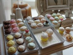 Still smiling over mini cupcakes :) #cupcake-boxes