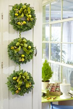 Green pear and berry wreath...