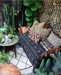 Home Decoration Ideas: Bohemian Living - Malian Mudcloth, Kuba Cloth (Congo) Pillows, Moroccan Pouf, Moroccan Beni Ourain Rug, Plants. Bohemian Porch, Bohemian Living, Bohemian Decor, Boho Chic, Boho Room, Bohemian Style, Bohemian Garden Ideas, Boho Style Decor, Bohemian Homes