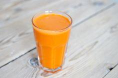 Groentesap met wortel is heerlijk zoet en snel klaar. De vitaminen en mineralen uit de groentesap kunnen zeer snel in je lichaam worden opgenomen