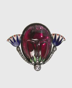 Carl Fabergé (1846–1920), Fabergé firm, St. Petersburg, Carl Fabergé (workmaster), Scarab Brooch, about 1900, garnet, gold, diamonds, rubies, enamel, silver, 2.8 x 3.8 x 1.9 cm