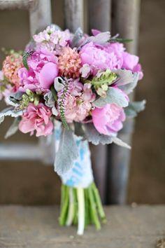 Idea bloga jest prosta - miejsce w mnóstwem inspiracji, detali i pomysłów ... aby stworzyć wyjątkowy ślub.