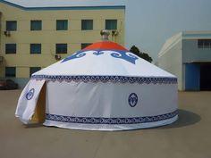 La tenda Yurta è un tipo di tenda mongola usata sull'Himalaya e mantiene la temperatura all'interno anche a bassissime temperature. Noi importiamo queste tende per allestire ville, agriturismi e alberghi.