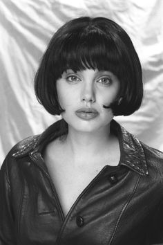 Angelina Jolie (Photography by Robert Kim) Hackers Angelina Jolie, Angelina Jolie Nose, Angelina Jolie Pictures, Brad And Angelina, Celebrity Bobs, Famous Girls, Poses, Celebs, Celebrities