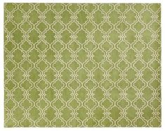 Green rug - looks great with neutral decors