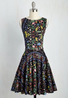 Luck Be a Lady Dress in Bright Blossoms by Closet London - Multi, Black, Floral, Print, Daytime Party, A-line, Sleeveless, Summer, Woven, Best, Cotton, Mid-length, Variation