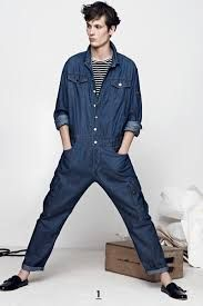 Balmain spring 2014 denim overall. Fashion Week, Fashion Show, Fashion Design, Fashion Trends, Estilo Jeans, Balmain Men, Mode Jeans, Paris Mode, Boiler Suit