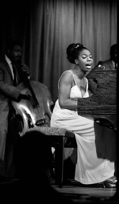 """""""Legendary performer Nina Simone sang a mix of jazz, blues and folk music in the and later enjoying a career resurgence in the Soul Jazz, Soul Singers, Female Singers, Billy Holiday, Vintage Black Glamour, Jazz Musicians, Jazz Artists, Jazz Blues, Black Girl Aesthetic"""