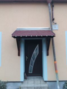 Přístřešek nad vchodové dveře