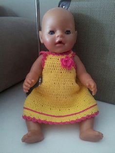 Baby Born jurkje gehaakt.  Baby doll dress